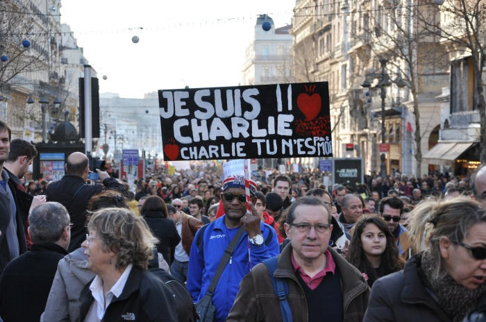 Marseille residents rally in support of the victims of the Charlie Hebdo shooting. Photo credit: Jean-Benoît Zimmermann